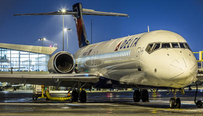 N922AT - Delta Air Lines Boeing 717