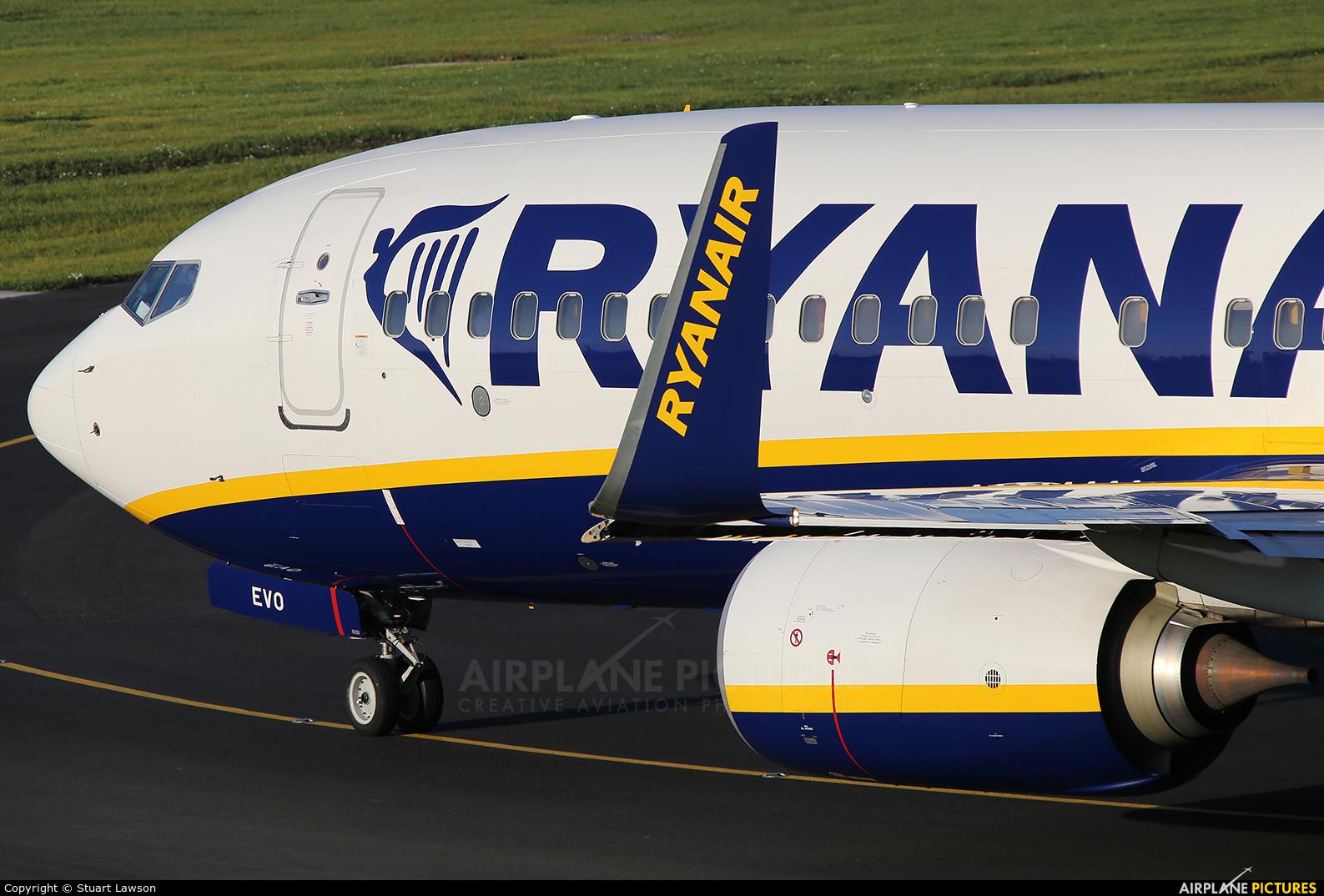 Ryanair EI-EVO aircraft at Birmingham