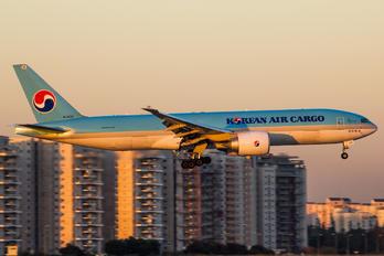HL8226 - Korean Air Cargo Boeing 777-200F