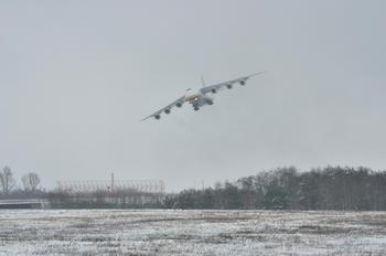 - - Antonov Airlines /  Design Bureau Antonov An-124