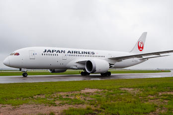 JA834J - JAL - Japan Airlines Boeing 787-8 Dreamliner