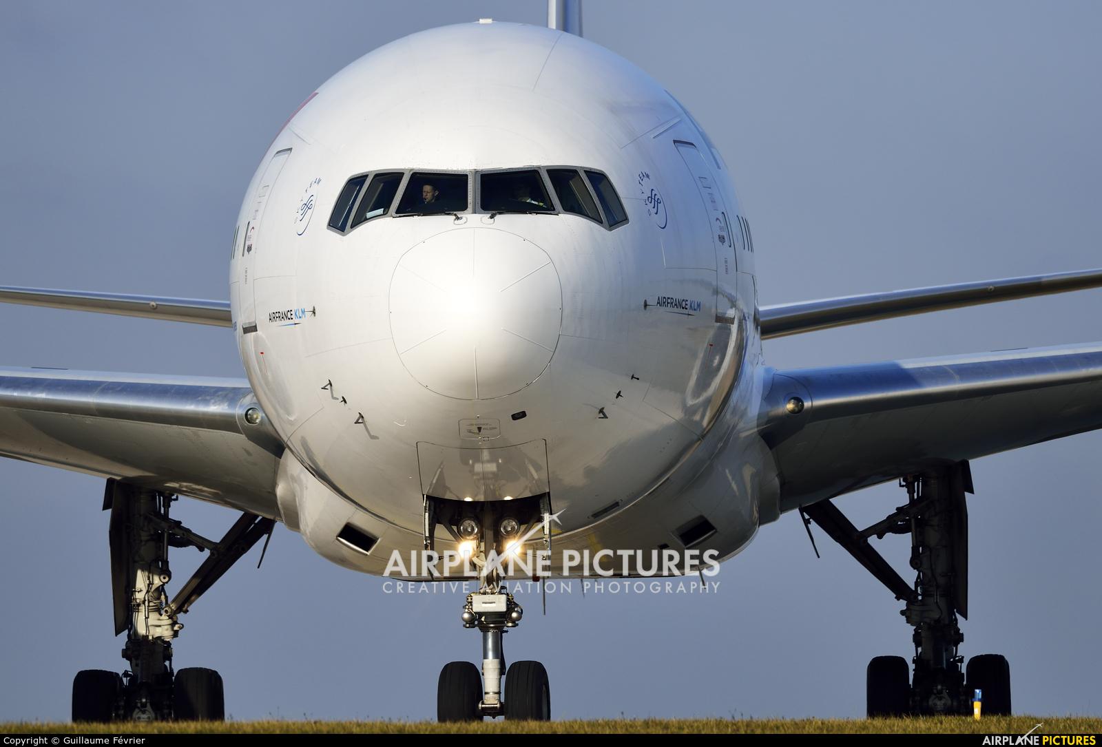 Air France F-GSQS aircraft at Paris - Charles de Gaulle