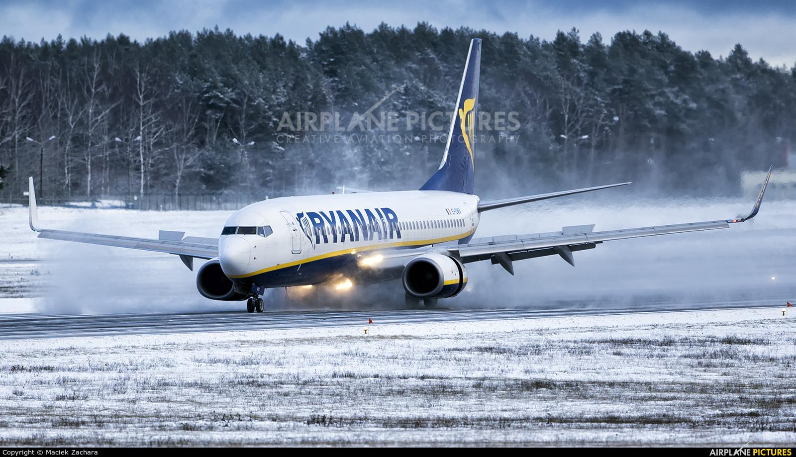 Ryanair EI-DWX aircraft at Gdańsk - Lech Wałęsa