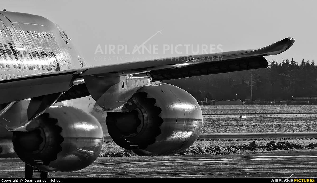 Lufthansa D-ABYH aircraft at Frankfurt