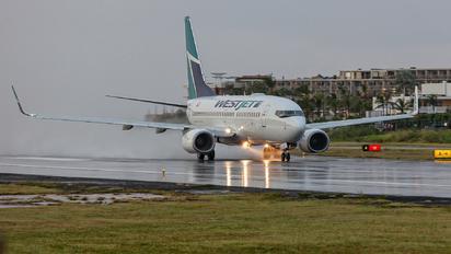 C-GWJO - WestJet Airlines Boeing 737-700