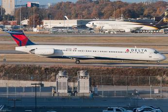 N935DL - Delta Air Lines McDonnell Douglas MD-88