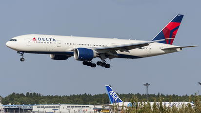 N706DN - Delta Air Lines Boeing 777-200LR