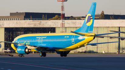 UR-VVM - Aerosvit - Ukrainian Airlines Boeing 737-400
