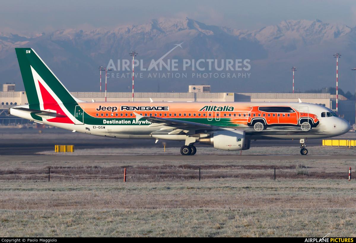 Alitalia EI-DSW aircraft at Milan - Malpensa