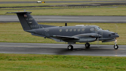 N44U - USA - Army Beechcraft 200 King Air