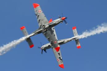 "025 - Poland - Air Force ""Orlik Acrobatic Group"" PZL 130 Orlik TC-1 / 2"