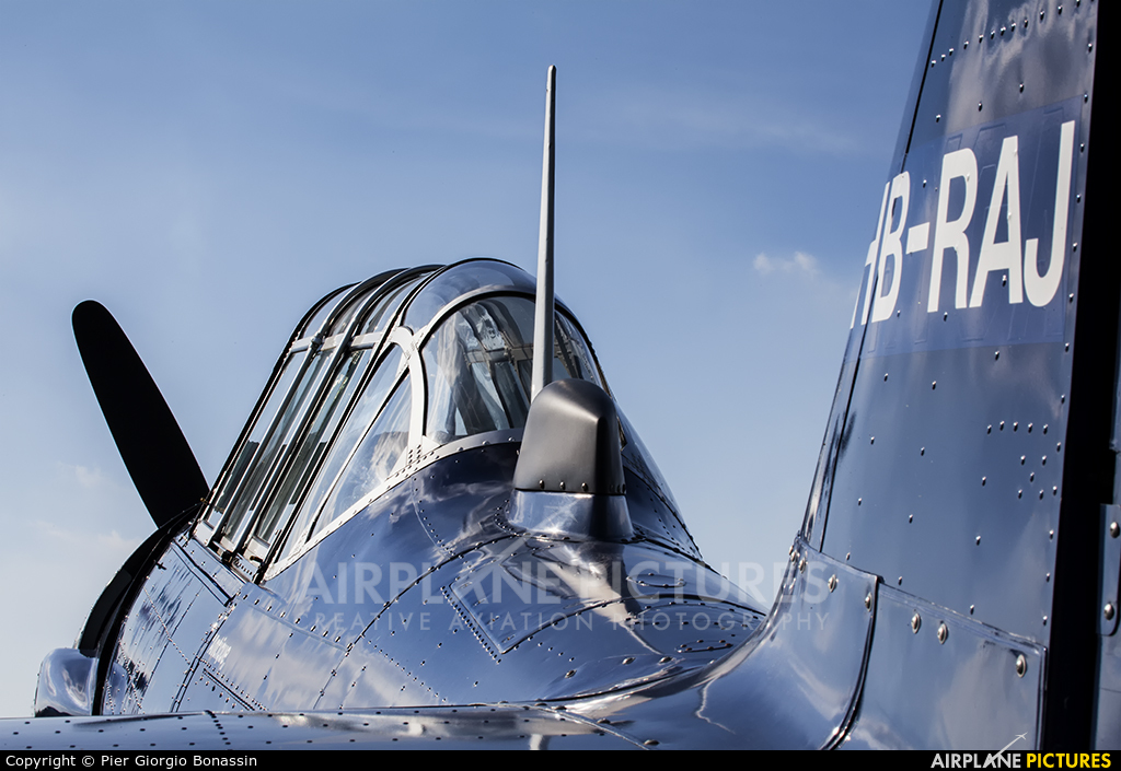Private HB-RAJ aircraft at Montagnana