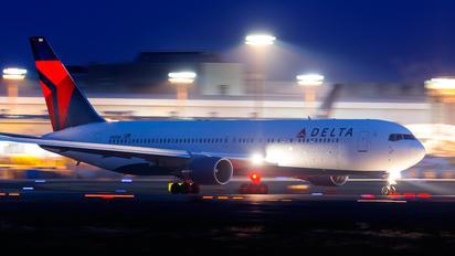 N188DN - Delta Air Lines Boeing 767-300ER