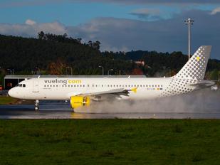 EC-LVA - Vueling Airlines Airbus A320