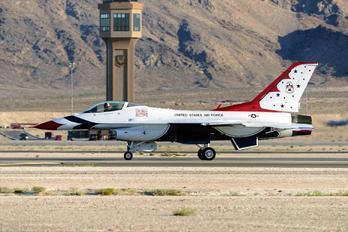 92-3880 - USA - Air Force : Thunderbirds General Dynamics F-16C Fighting Falcon