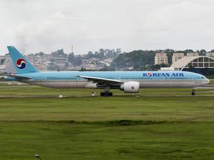 HL8250 - Korean Air Boeing 777-300ER