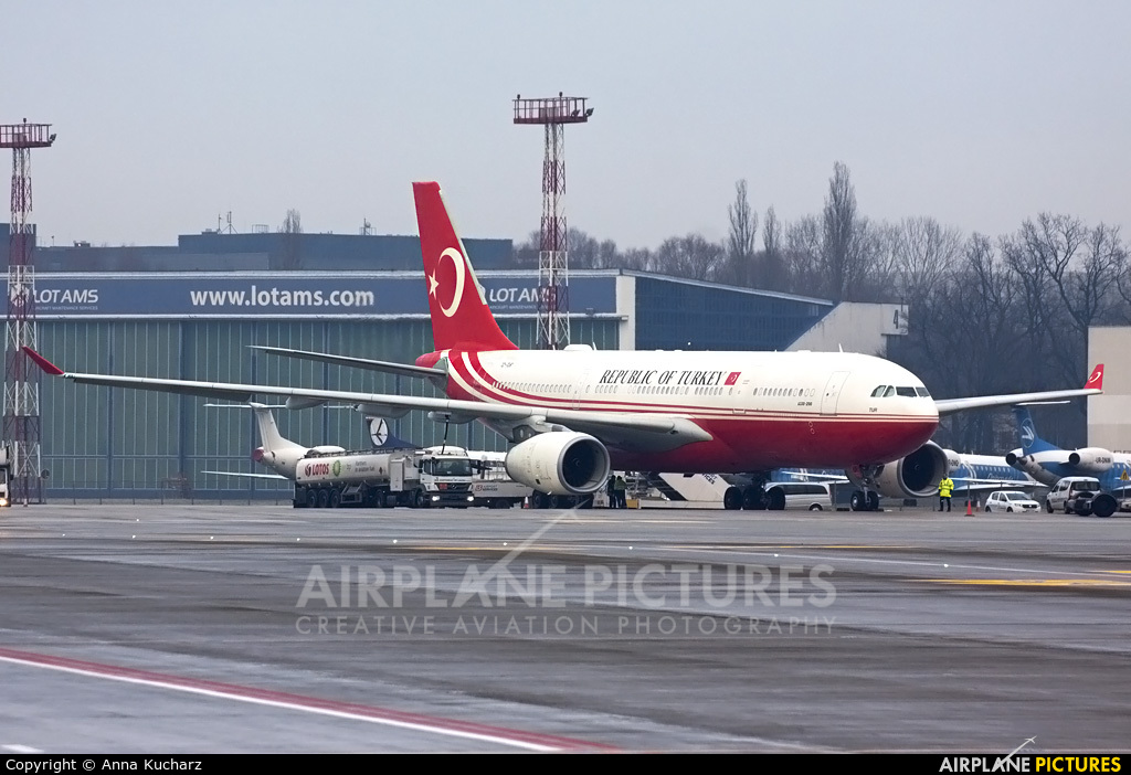 Turkey - Government TC-TUR aircraft at Warsaw - Frederic Chopin