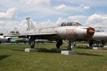 702 - Poland - Air Force Sukhoi Su-7U