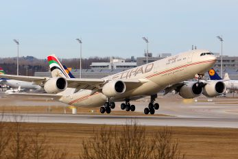 A6-EHB - Etihad Airways Airbus A340-500