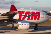 PT-MVH - TAM Airbus A330-200 aircraft