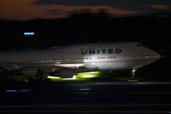 N171UA - United Airlines Boeing 747-400
