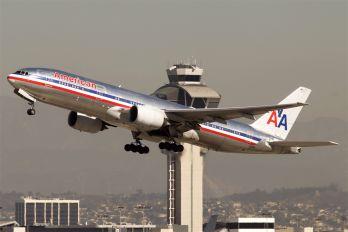 N758AN - American Airlines Boeing 777-200ER