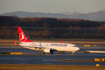 TC-JGA - Turkish Airlines Boeing 737-800