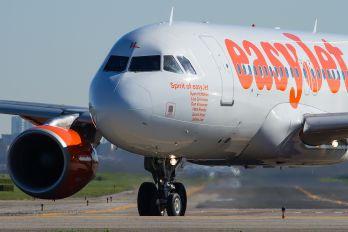 G-EZIL - easyJet Airbus A319