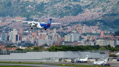 HK-4491 - Aires Colombia de Havilland Canada DHC-8-200Q Dash 8