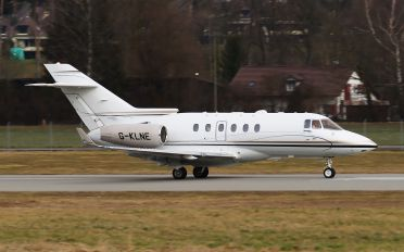 G-KLNE - Saxon Air Hawker Beechcraft 900XP