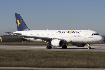 EI-DSS - Air One Airbus A320
