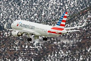 N9002U - American Airlines Airbus A319