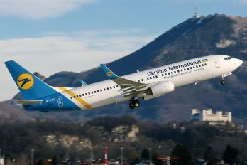 UR-PSD - Ukraine International Airlines Boeing 737-800