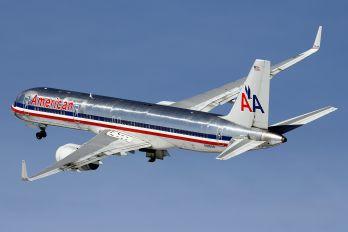 N695AN - American Airlines Boeing 757-200