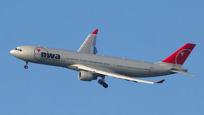 N811NW - Northwest Airlines Airbus A330-300