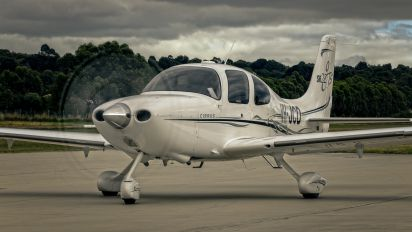 VH-JCD - Private Cirrus SR22