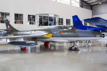 ZU-HUN - Private Hawker Hunter T.68