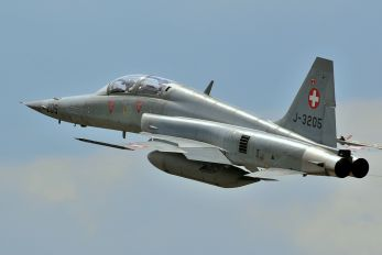 J-3205 - Switzerland - Air Force Northrop F-5F Tiger II