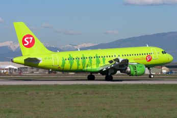 VP-BTV - S7 Airlines Airbus A319