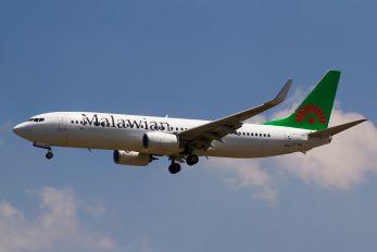 ET-APL - Malawian Airlines Boeing 737-800