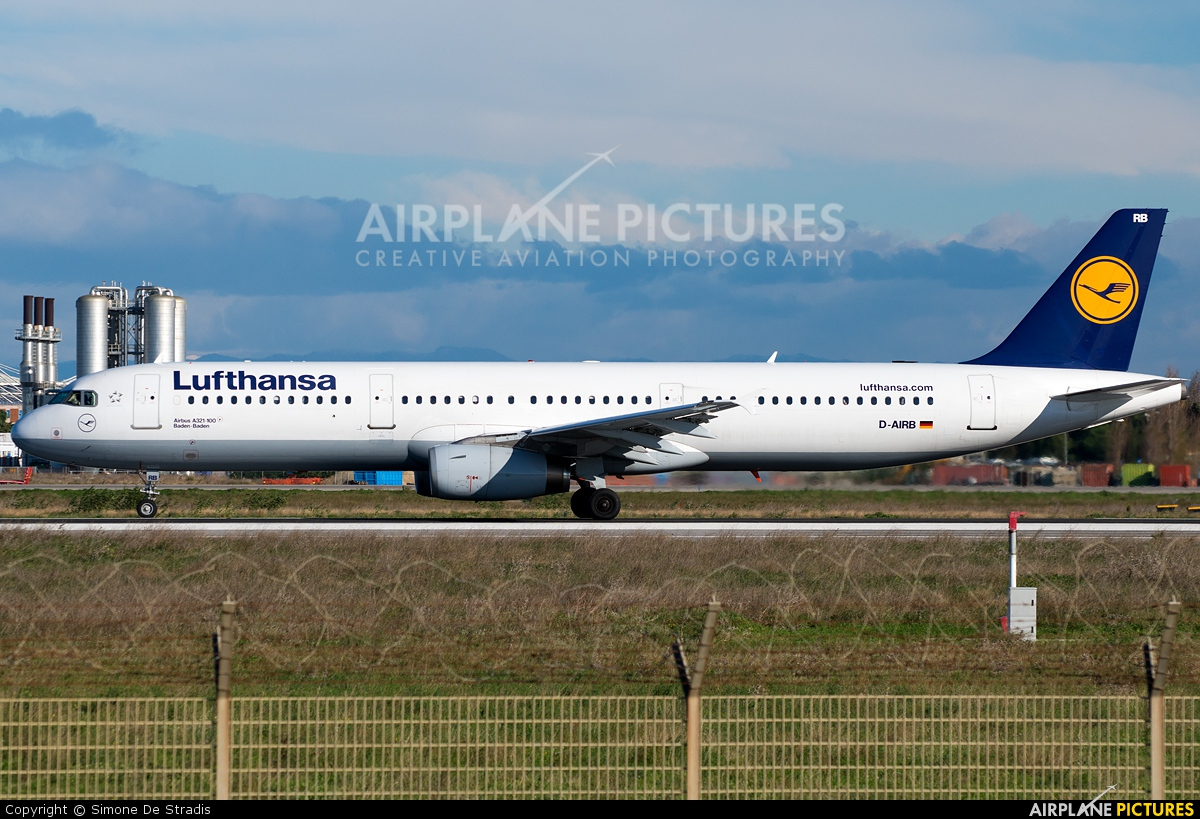 Lufthansa D-AIRB aircraft at Rome - Fiumicino