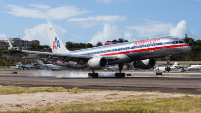 N625AA - American Airlines Boeing 757-200