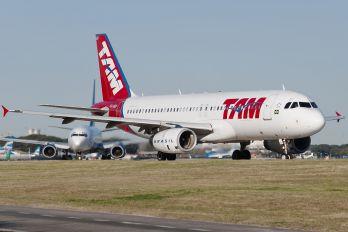 PR-MBP - TAM Airbus A320