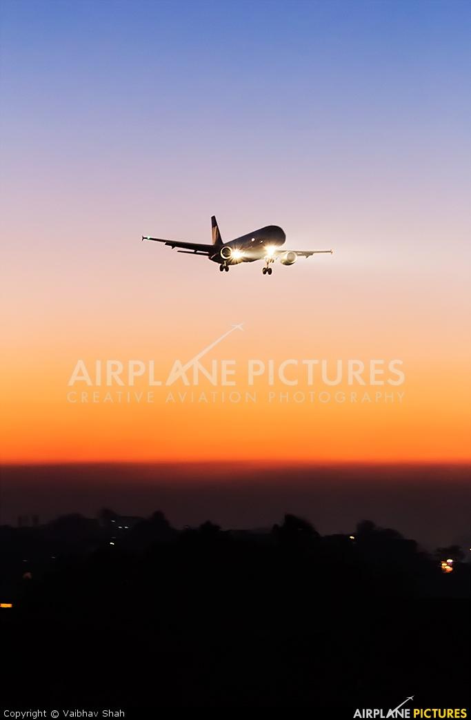 Go Air VT-GOK aircraft at Mumbai - Chhatrapati Shivaji Intl