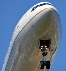 N780UA - United Airlines Boeing 777-200