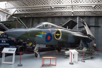 XV865 - Royal Air Force Blackburn Buccaneer S.2B