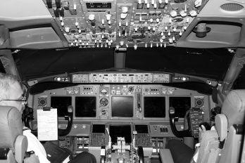 VT-SPL - SpiceJet Boeing 737-800