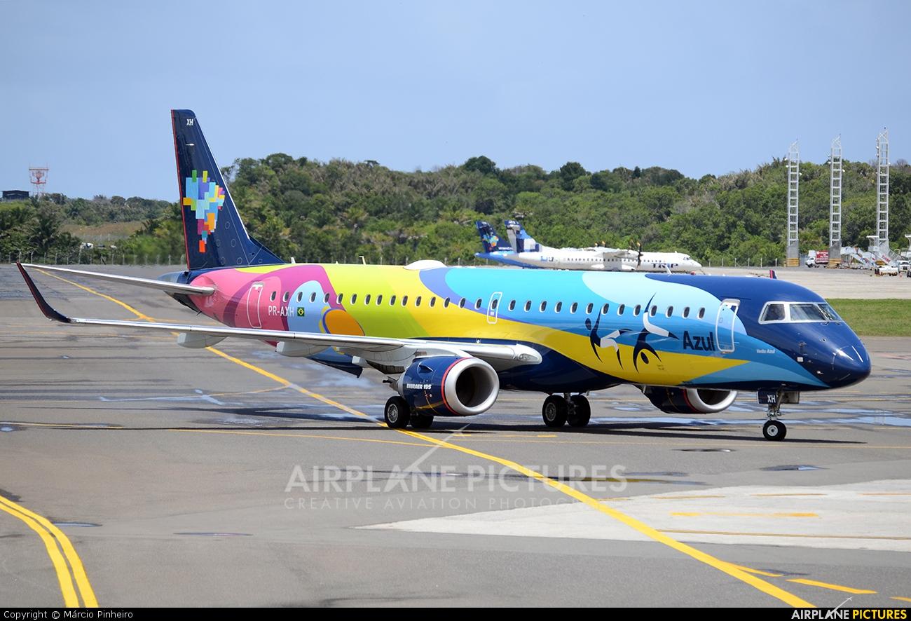 Azul Linhas Aéreas PR-AXH aircraft at Salvador - Deputado Luis Eduardo Magalhaes
