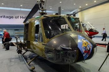 N832M - Private Bell UH-1B Iroquois