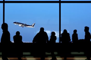 - - - Airport Overview - Airport Overview - People, Pilot
